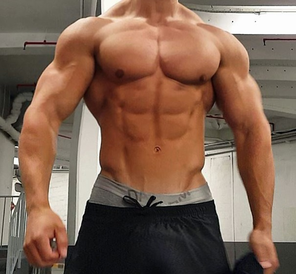 big-muscle-mass-body-dbol