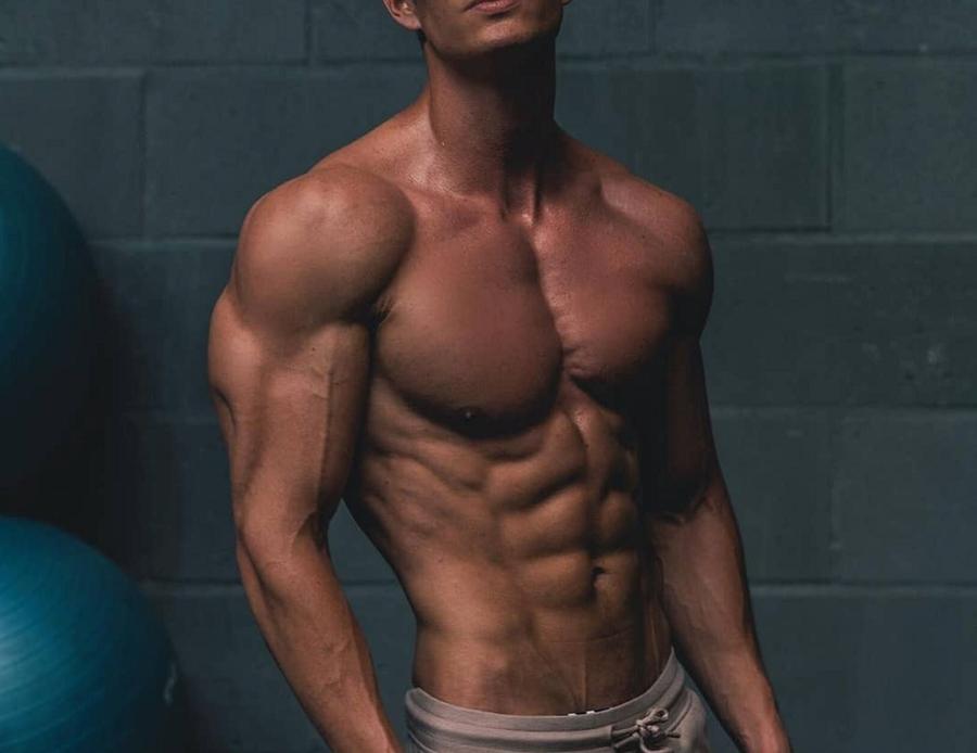 Dbol-Injections-muscular-man