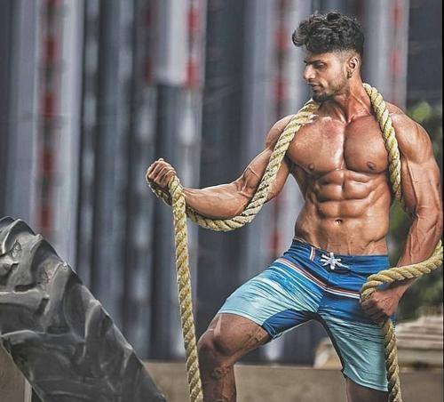 what-is-clomiphene-muscular-man